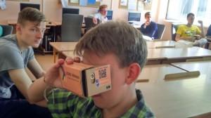JPVS dalyviui Vytautui Google akinius išmėginti buvo smagi pradžia prieš Oculus Rift.