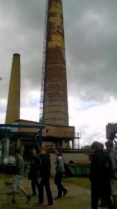 """UAB """"Kretingos šilumos tinklai"""" kaminai. Pristatyta jų sandara, veikimas, reakcija į šilumos pokyčius aplinkoje ir kokybiko kamino svarba šilumos efektyvumui."""