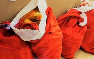 ŽAISLŲ LIETUS startavo Utenoje, kur susitiko Klaipėdos Neptūnas ir Utenos Juventus. Surinkome 285 žaislus, kurie pasieks vaikus, kuriems to labiausiai reikia. Žaislų lietų organizuoja Asociacija Novi Homines ir LKL.
